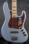 American Elite Jazz Bass MN SATIN IBM (1)