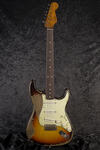 CustomShop 1961 Ultra Relic Stratocaster 3TS (2)