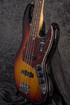 American Professional II Jazz Bass RW 3TS (8)