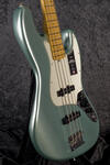 American Professional II Jazz Bass MN MYST SFG (7)