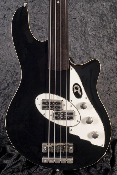 Duesenberg D-Bass fretless BLK B-Stock