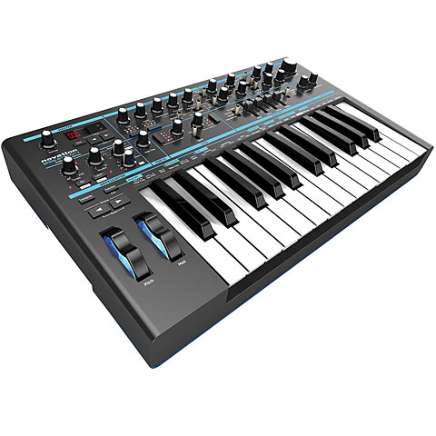 Synthesizer Novation Bass Station II