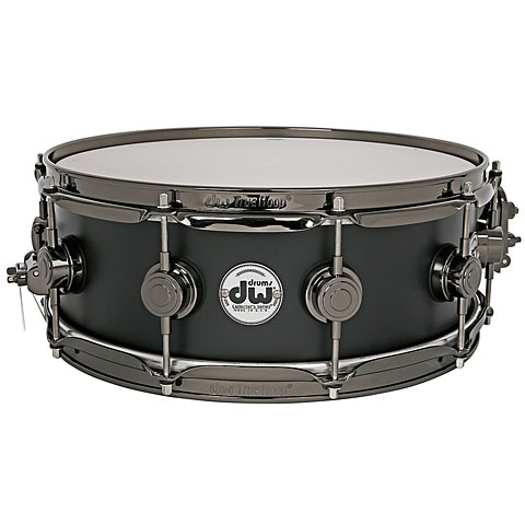 DW Collector's Lacquer Custom 14  x  5  Matte Black
