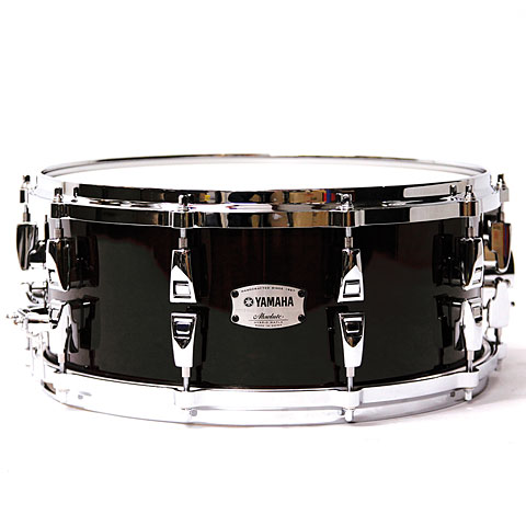 """Snare Yamaha Absolute Hybrid Maple 14"""" x 6"""" Solid Black Snare Drum"""