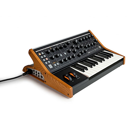 Synthesizer Moog Subsequent 25 Showroom