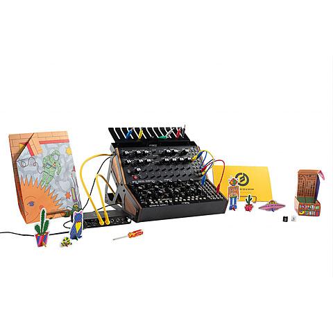 Synthesizer Moog Sound Studio Mother-32 & DFAM